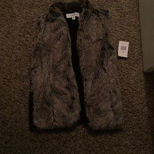 Faux fur vest never worn